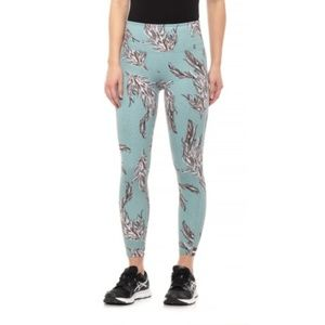 Free People Movement NWT Serene Feather Leggings